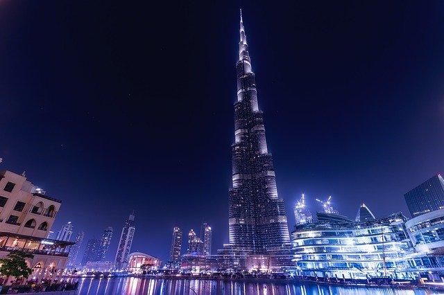 Nejvyšší budova světa Burdž Chalífa drží hned několik prvenství