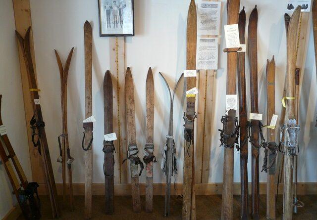 Poprvé v českých zemích byly lyže použité v Praze na Václavském náměstí