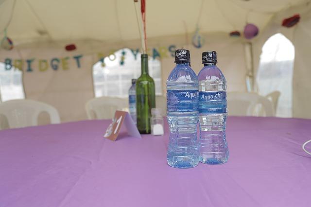 Dejte si pozor na to, co by měla balená voda obsahovat